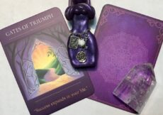 Gates of Triumph card, Sacred Traveler Oracle deck