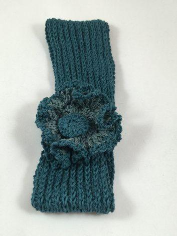 Flower Power: headband with poufy flower